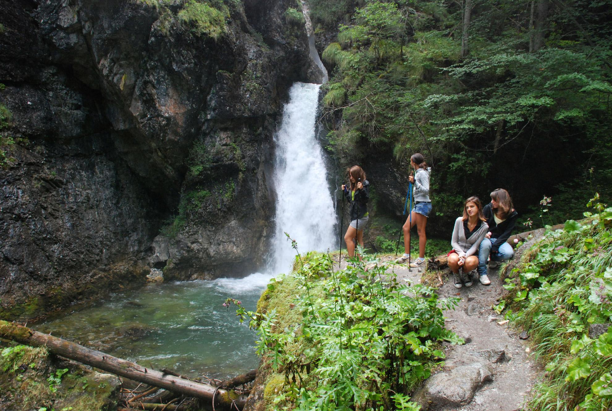 Camminata esperienziale in Val Meledrio